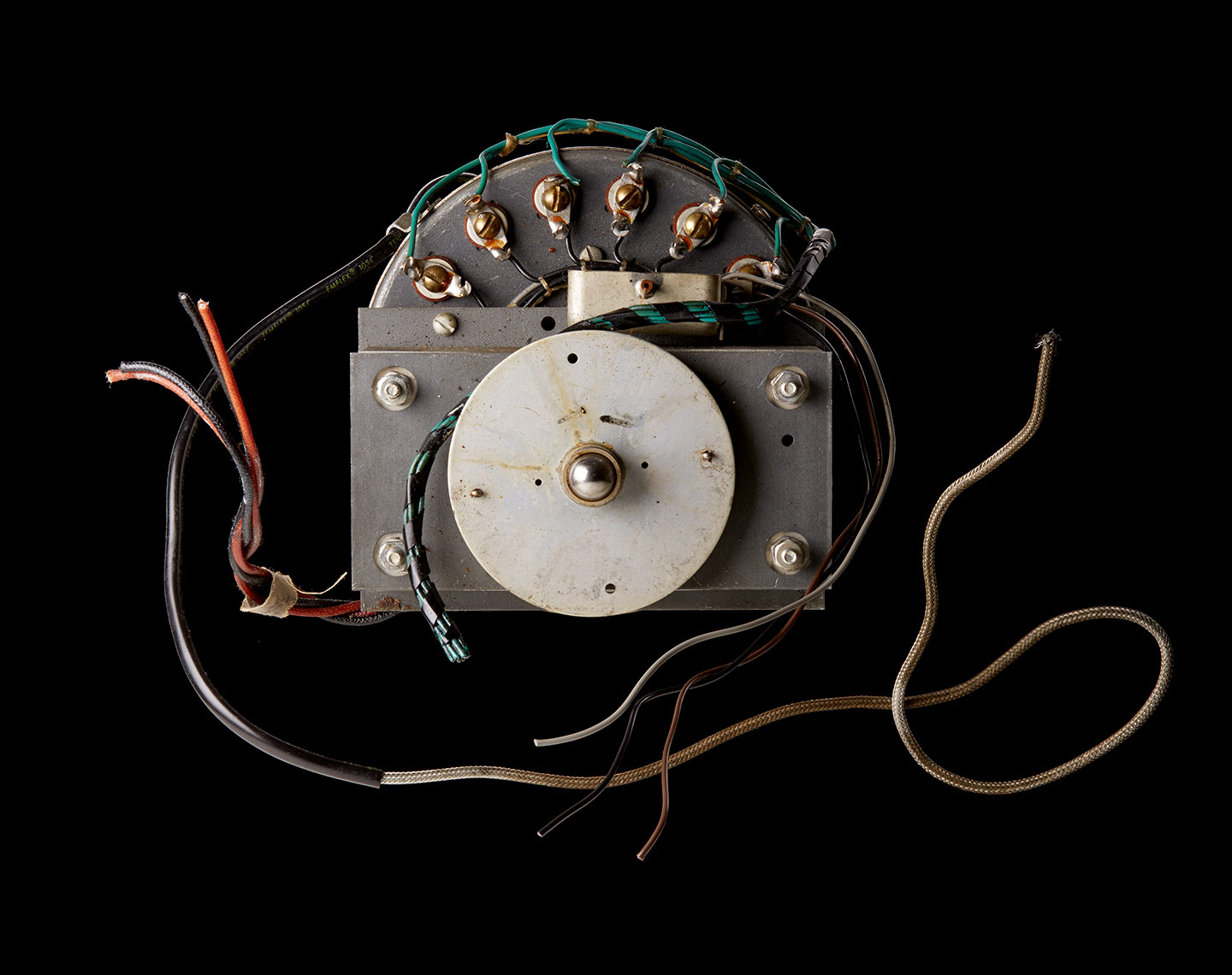 Analog_Hammond_Motor_FocusStack1_w4_RESIZED_FOR_WEB